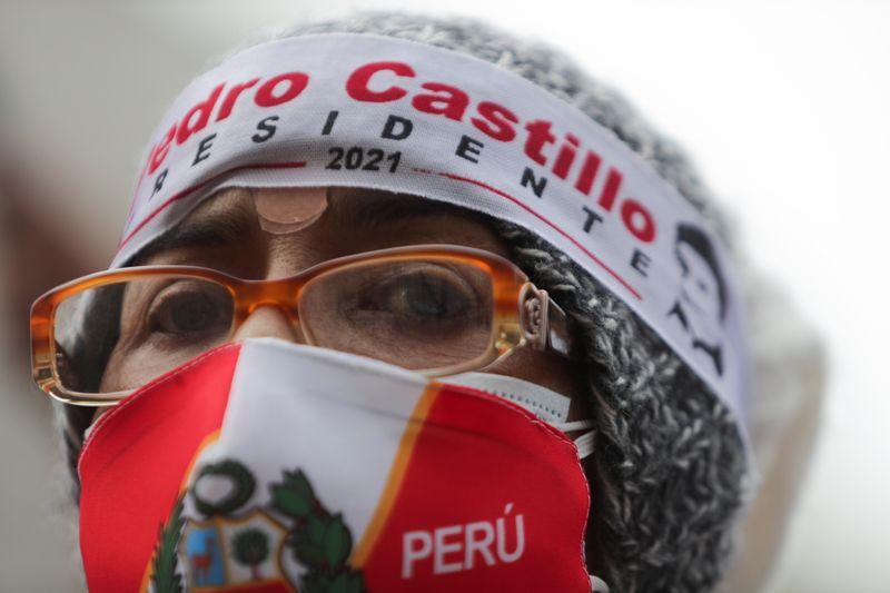 Pérou: Castillo vers une victoire à la présidentielle sur fond d'accusations de fraude