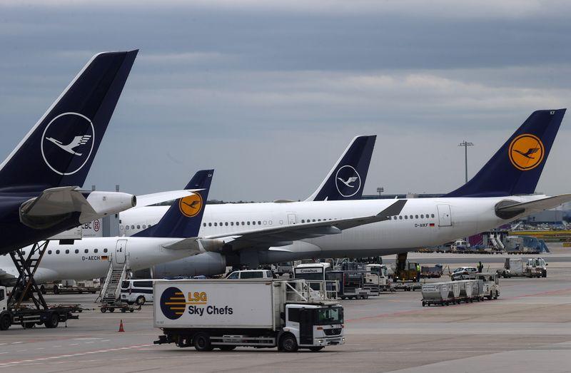 Crisis-hit EU airlines seek 'more balanced' passenger rights