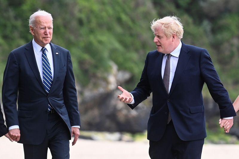 米英首脳が会談、ジョンソン氏「新鮮な息吹を感じる」と称賛