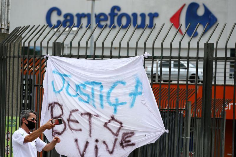 Carrefour Brasil assina TAC, paga R$115 mi em caso de espancamento e morte de cliente