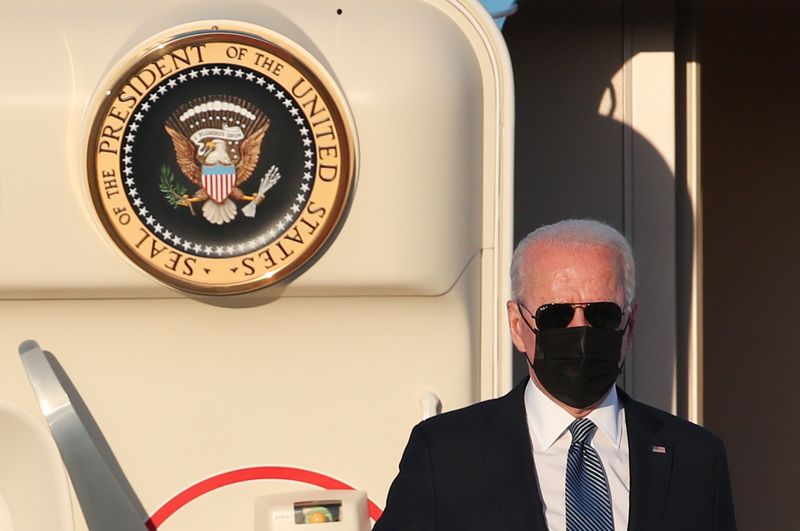 La OTAN celebra la llegada de Biden en una