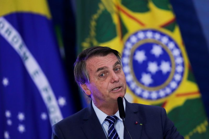 Em meio à CPI, Bolsonaro se reúne com presidente da Pfizer