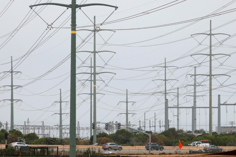 U.S. power and natgas prices spike in Texas and California heatwaves
