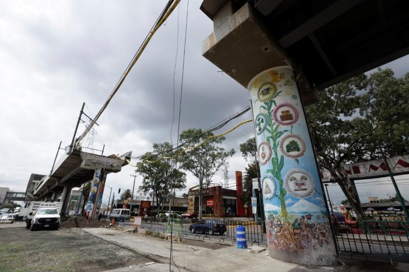Probe into Mexico City metro crash blames structural failure