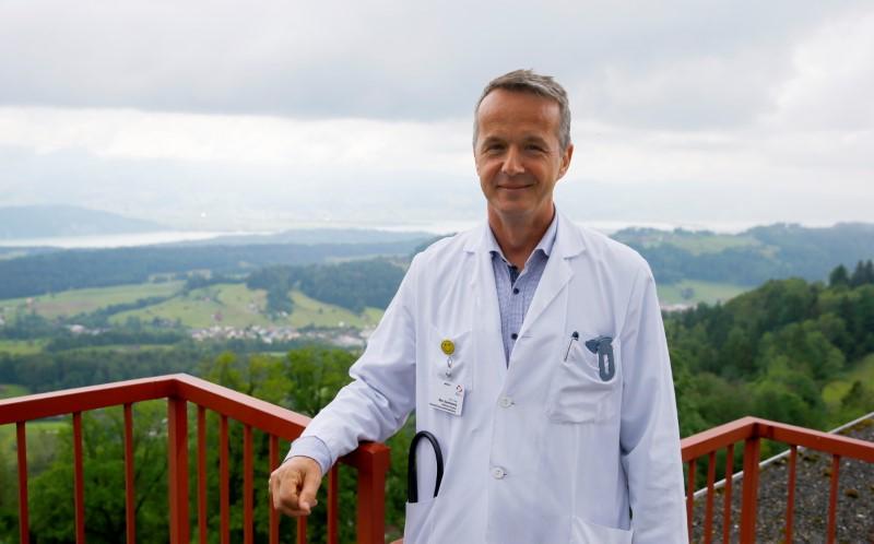 Ex cliniche svizzere per tubercolosi ospitano pazienti Long-Covid per restare rilevanti