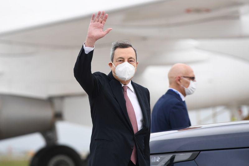 Covid, Draghi firma decreto su green pass, via libera da 1 luglio