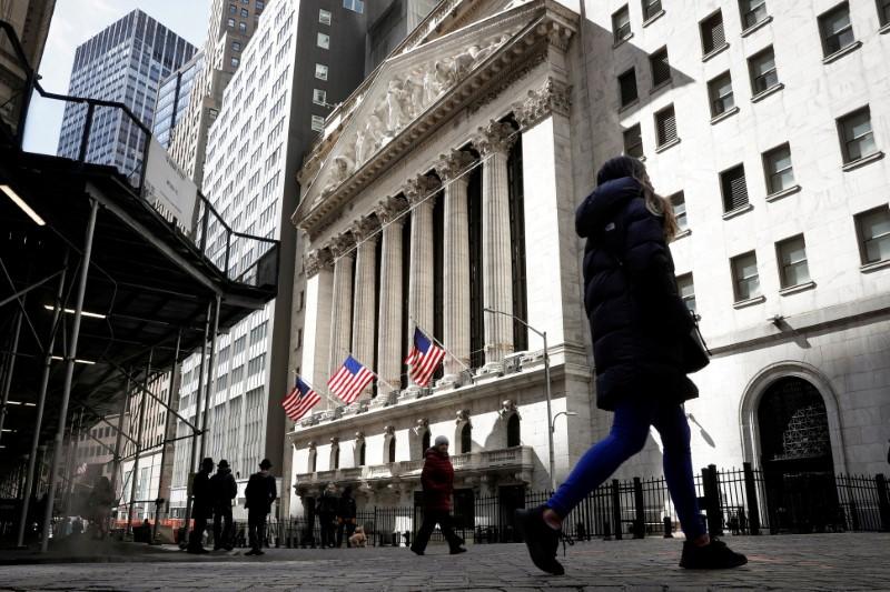 Wall Street finit en ordre dispersé, les