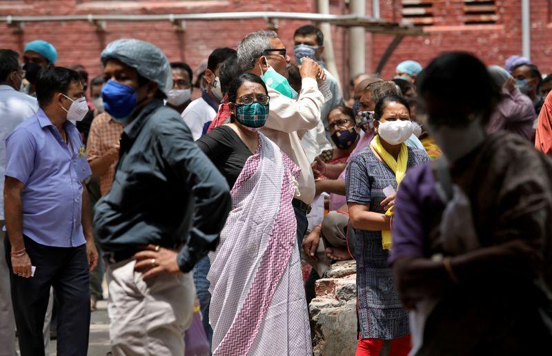情報BOX:新型コロナウイルス、世界の感染者1億7733万人超 死者399.6万人