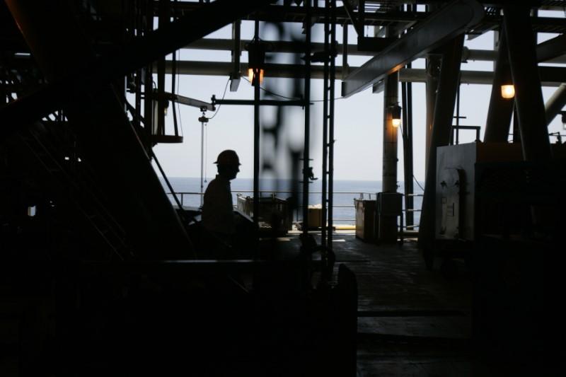 Tempête: Les compagnies pétrolières évacuent leurs plateformes dans le golfe du Mexique