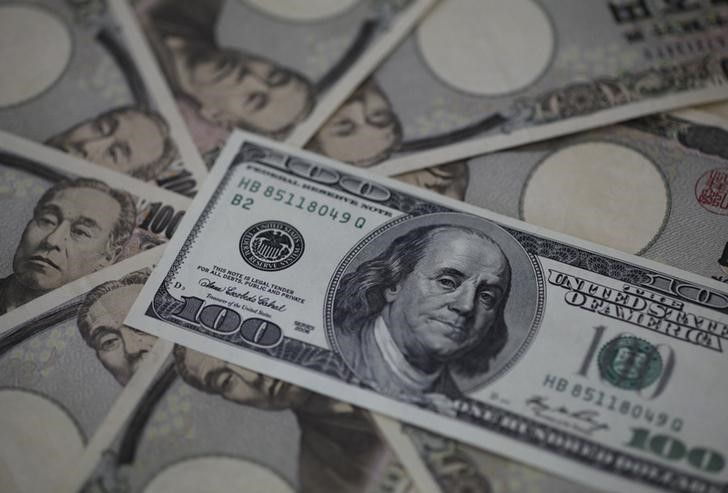 NY外為市場=ドル上昇、リスク選好度低下で安全買い