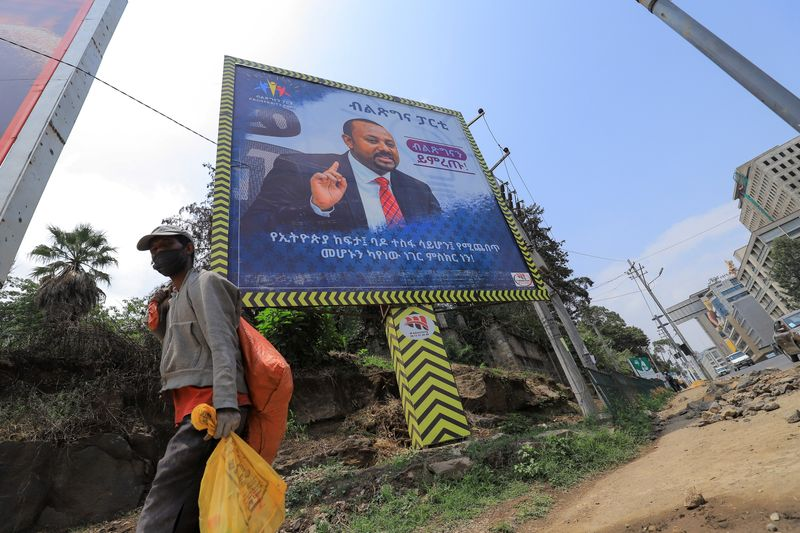 الإثيوبيون يصوتون في انتخابات والمعارضة تدعي حدوث مخالفات
