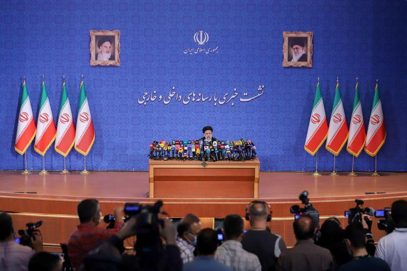 الرئيس الإيراني المنتخب: أولوية إيران تحسين العلاقات مع جيرانها