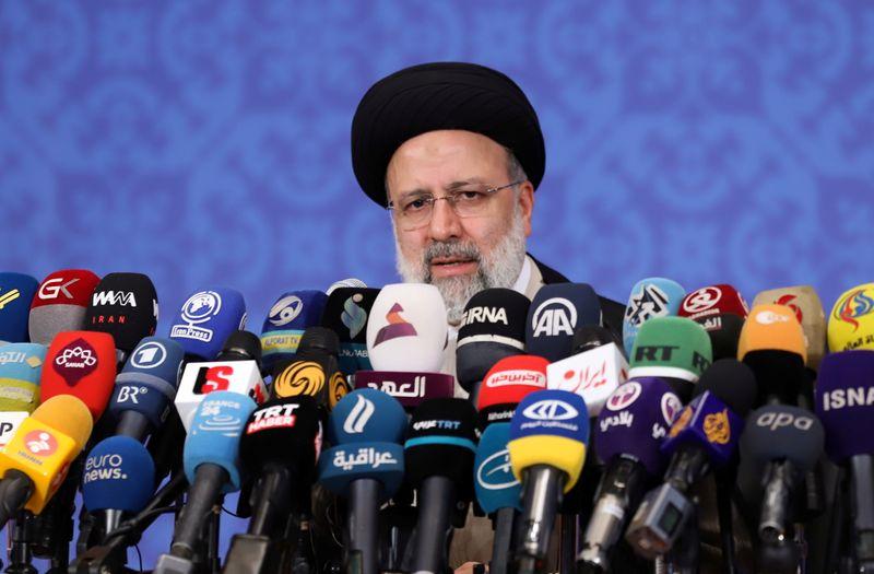 الرئيس الإيراني المنتخب: برنامج الصواريخ الباليستية غير قابل للتفاوض