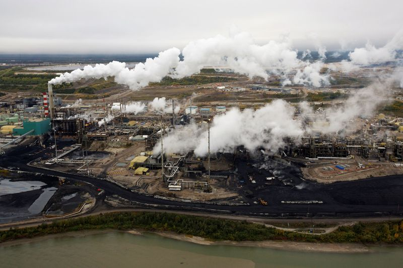 Canada's climate plan charts hard road ahead for high-polluting oil sands