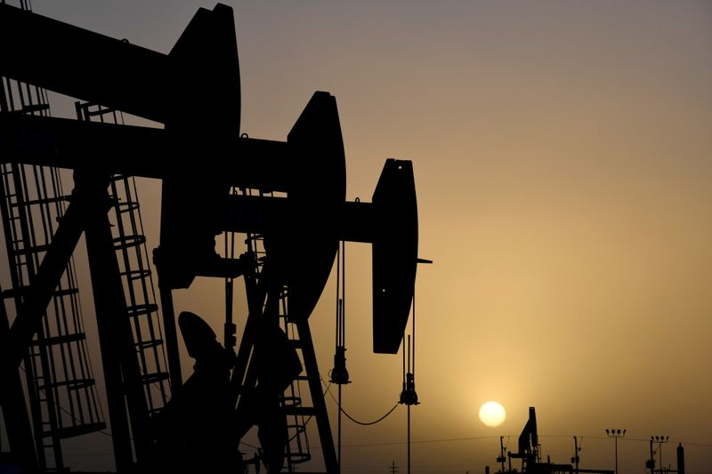 OPEP+ analiza mayor reducción de recortes de suministros petroleros desde agosto: fuentes
