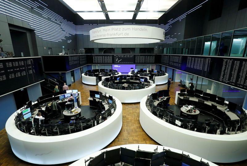 الأسهم الأوروبية تصعد بدعم من مكاسب للسلع الأولية والسوق تترقب كلمة باول