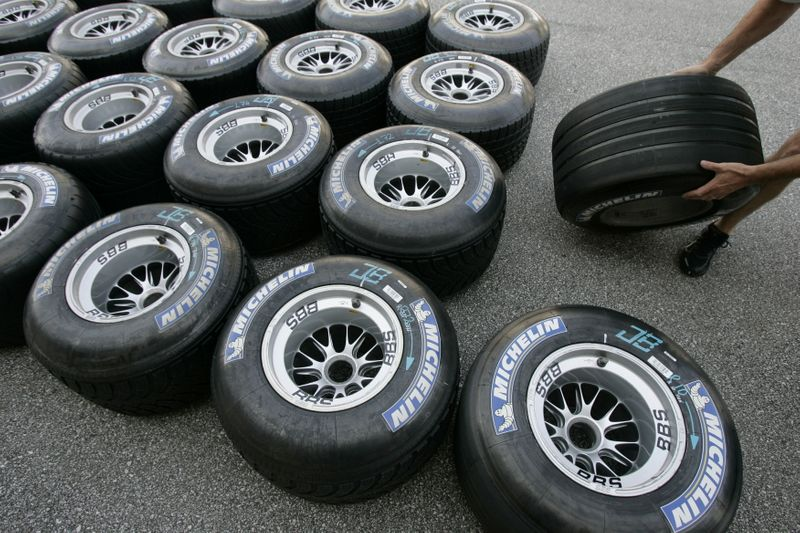 U.S. tire industry harmed by Korea, Taiwan, Thailand tire imports -trade panel
