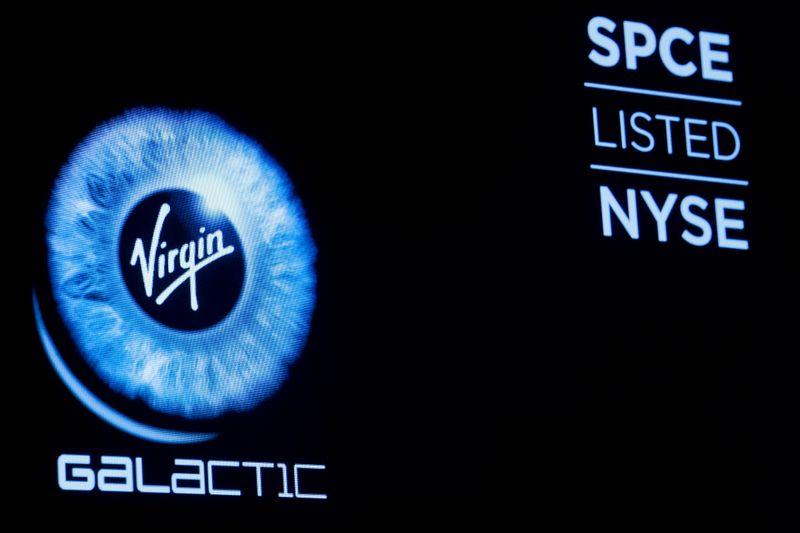Virgin Galactic ottiene via libera a voli passeggeri nello spazio