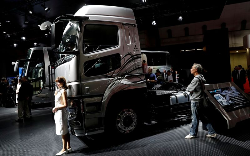 Daimler set to spin off truck unit by year end - CFO