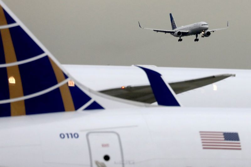 United Airlines closes in on  billion post-pandemic jet order By Reuters