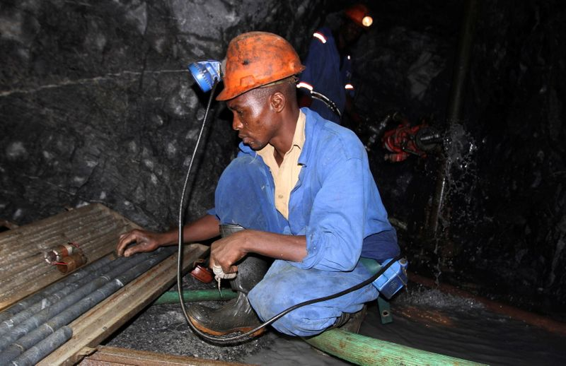 Zimbabwe to allow miners to export portion of their gold