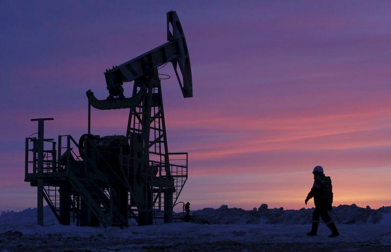 مصادر: روسيا تجد صعوبة في زيادة إنتاج النفط رغم صعود الأسعار