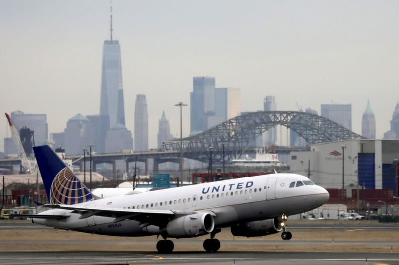 United Airlines unveils huge jet order in push for growth