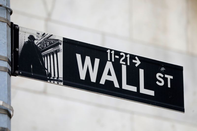 Banks, tech stocks propel S&P 500 to new highs