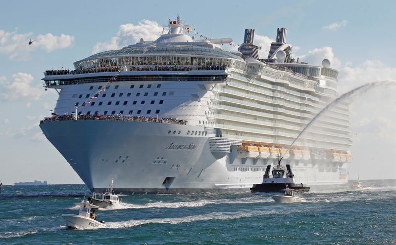 Royal Caribbean asks unvaccinated guests to get travel insurance for Florida cruises