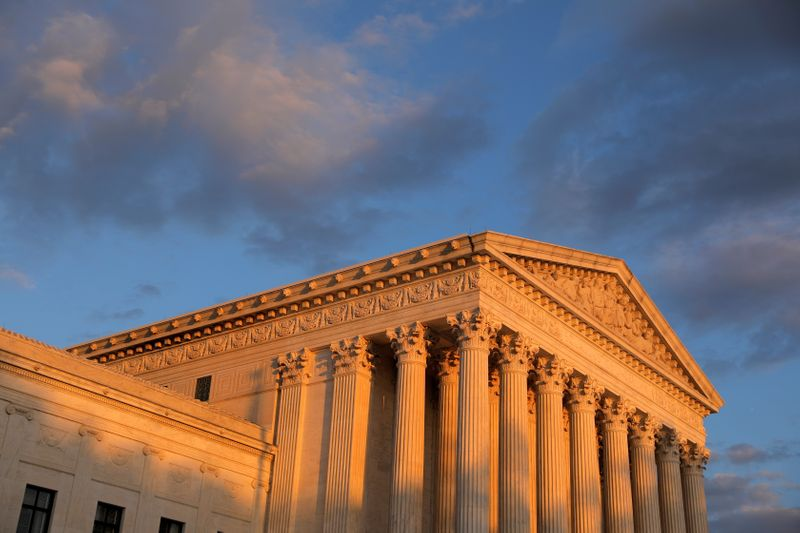 U.S. Supreme Court rebuffs appeal by florist who spurned gay couple