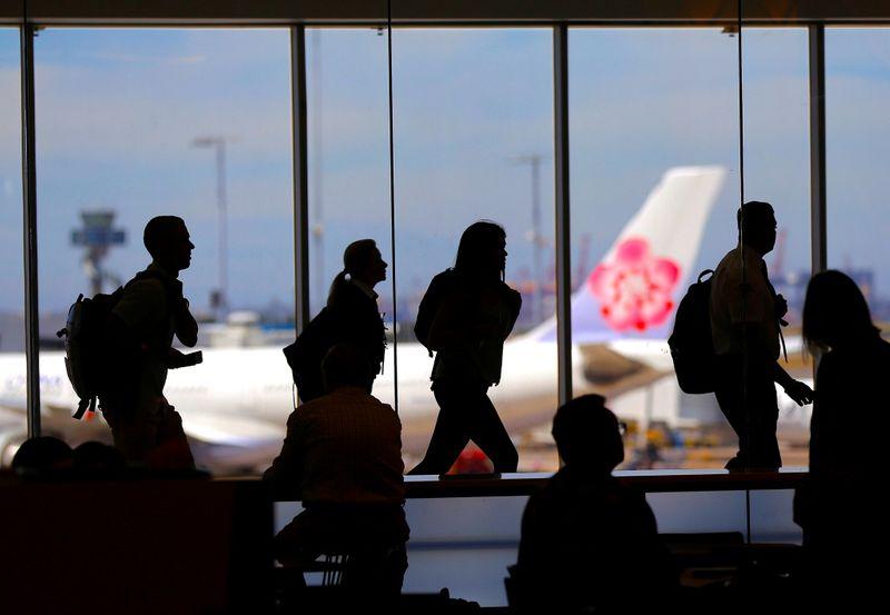 Sydney Airport receives $16.74 billion buyout bid from consortium