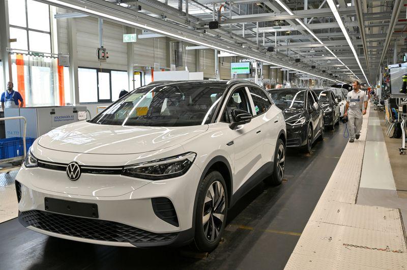 Germany's car association cuts 2021 sales growth forecast