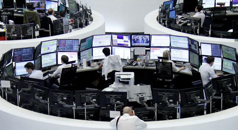 الأسهم الأوروبية ترتفع بدعم من تعافي أسهم السلع الأولية وقفزة للتكنولوجيا