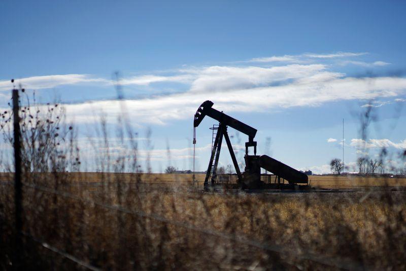 مصادر: بيانات معهد البترول تظهر هبوطا حادا في مخزونات النفط الأمريكية