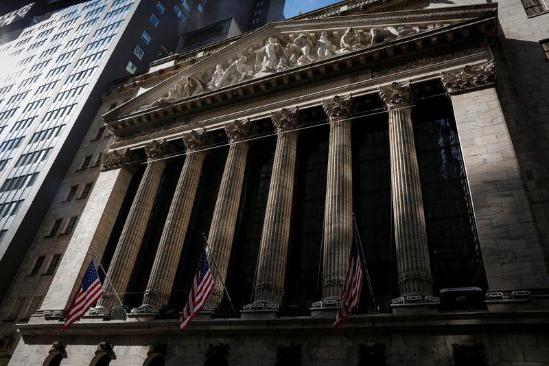 АНАЛИЗ-Переосмысление рефляции отправило в штопор рынки облигаций