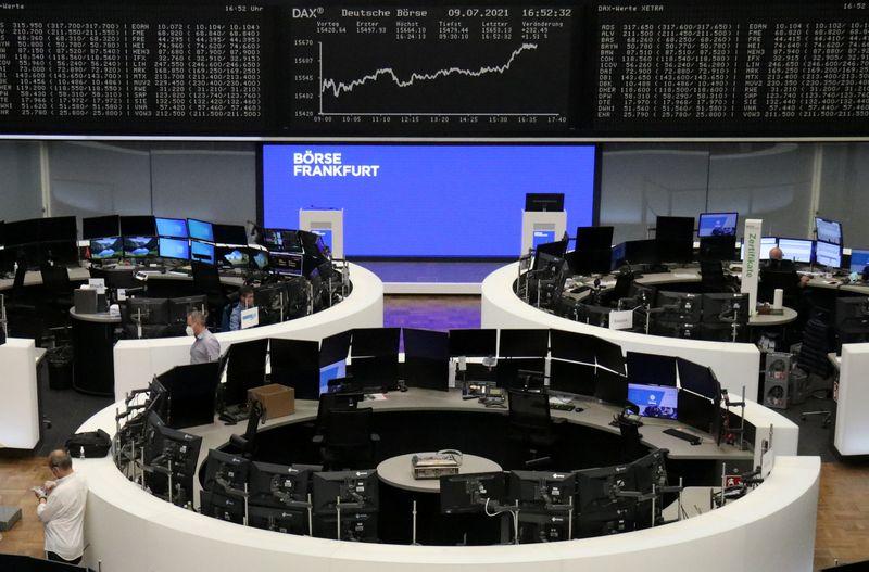 الأسهم الأوروبية تصعد وتمحو خسائر أسبوعية