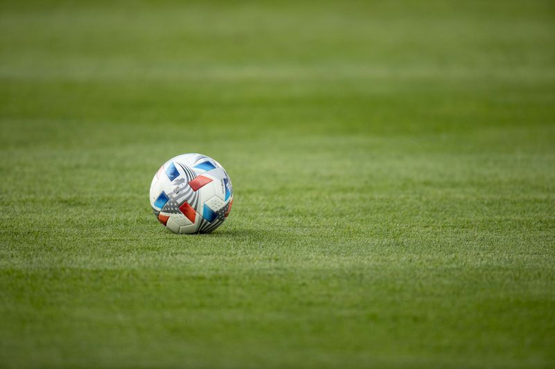 Tel-Aviv facile, Feyenoord accroché